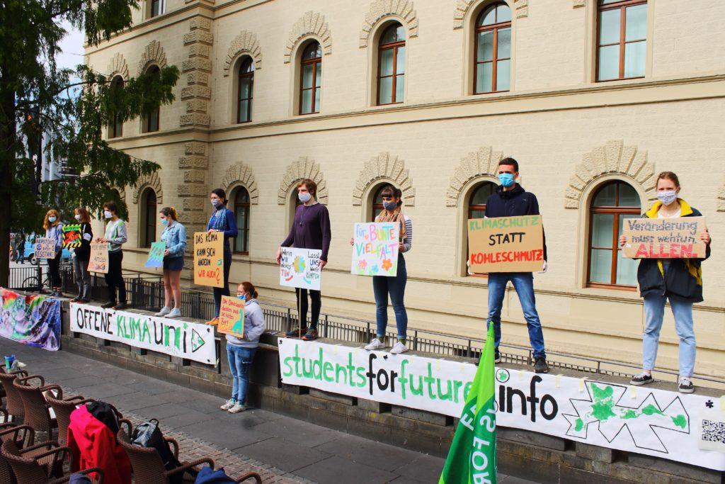 Demo in Saarbrücken im Rahmen der Public Climate School 2.0